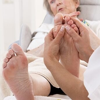 elderly-foot-massage